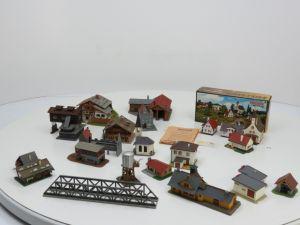 Schaal N Vollmer 7710 doos met 5 Alpenhuizen en assoritment van 16 bebouwen #850